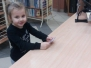Dzieci z grupy V w Miejskiej Bibliotece Publicznej